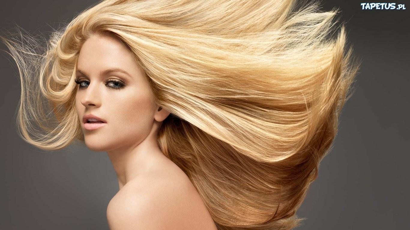 104656_kobieta-blondynka-rozwiane-wlosy