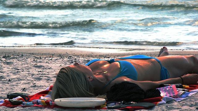 beach-920886_640