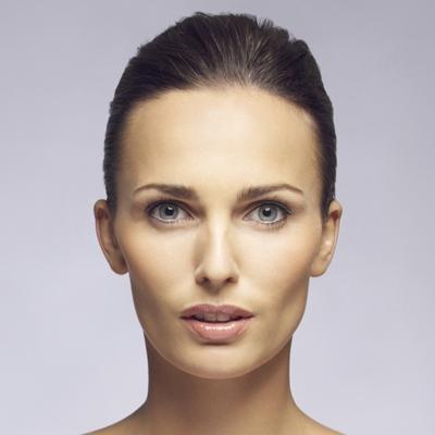 woman-with-deep-set-eyes-makeup